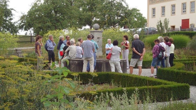 Gaestefuehrer-Gartenerlebnis-Bayern-Christine-Stedele-Kerschlach-Garten-Slider-1