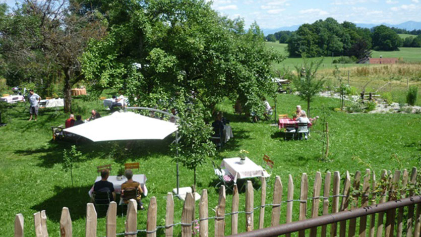 Gartenerlebnis-Bayern-Melanie-Kleider-Paradiesgarten-Gallerie-3-Gaeste