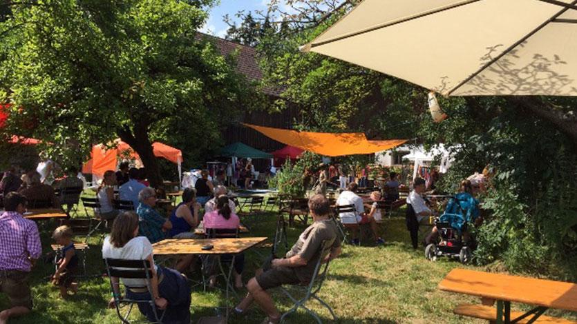 Gartenerlebnis-Bayern-Melanie-Kleider-Paradiesgarten-Gallerie-4-Gesellschaft